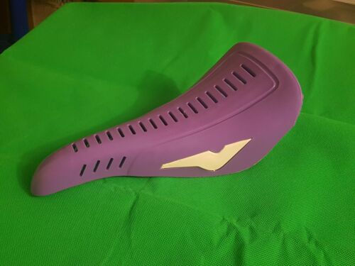 ISCASELLE BMX OLD SCHOOL SADDLES 80s YELLOW PURPLE NEW OLD STOCK