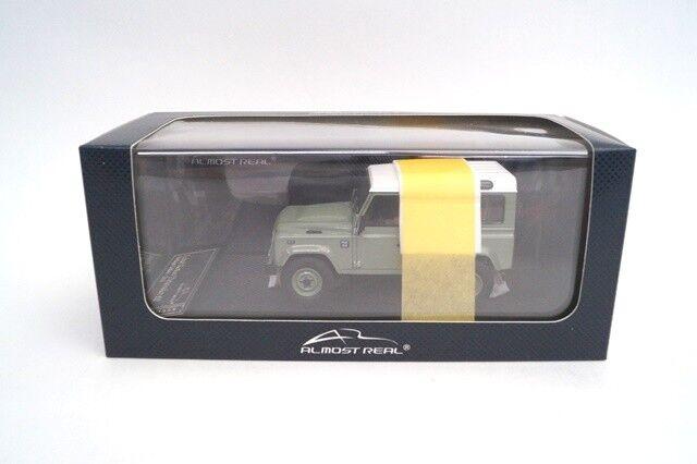 AL410204 casi real 1 43 Land Rover Defender 90 edición patrimonio verde
