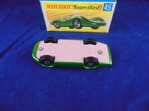 Matchbox-Superfast-MB-45-un-grupo-de-Ford-6-en-Metalico-Oscuro-Verde-Rosa-Pintado-Base