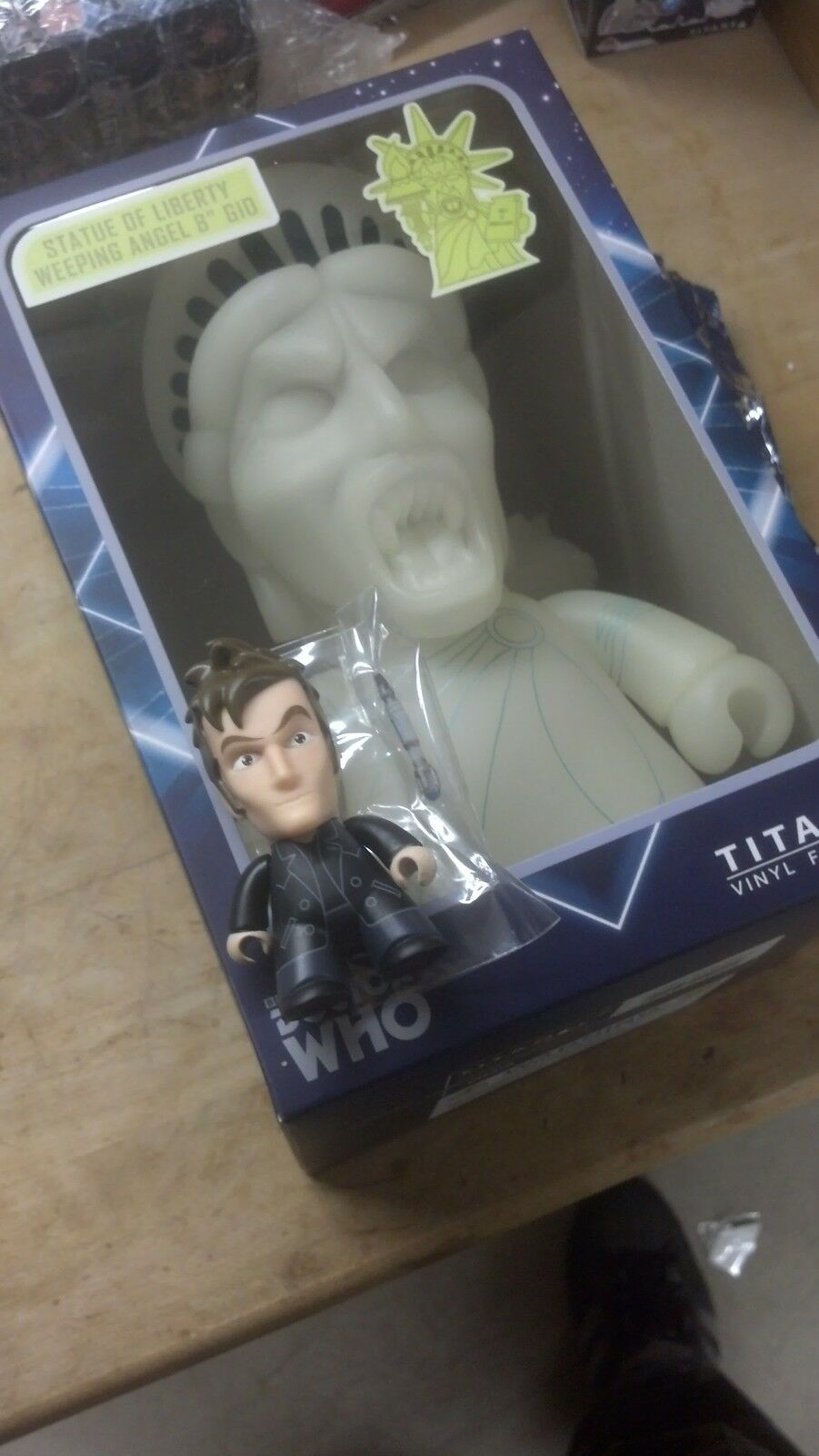 NYCC 2013 Doctor Who Parting Mini Exclusive + Statue Liberty Weeping Angel GID