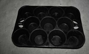 Vintage-Wagner-Ware-Griswold-Cast-Iron-Muffin-Pan-MADE-IN-USA
