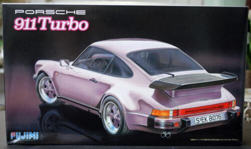 1:24 930 1985 Porsche 911 Turbo 3,3 Fujimi 126432