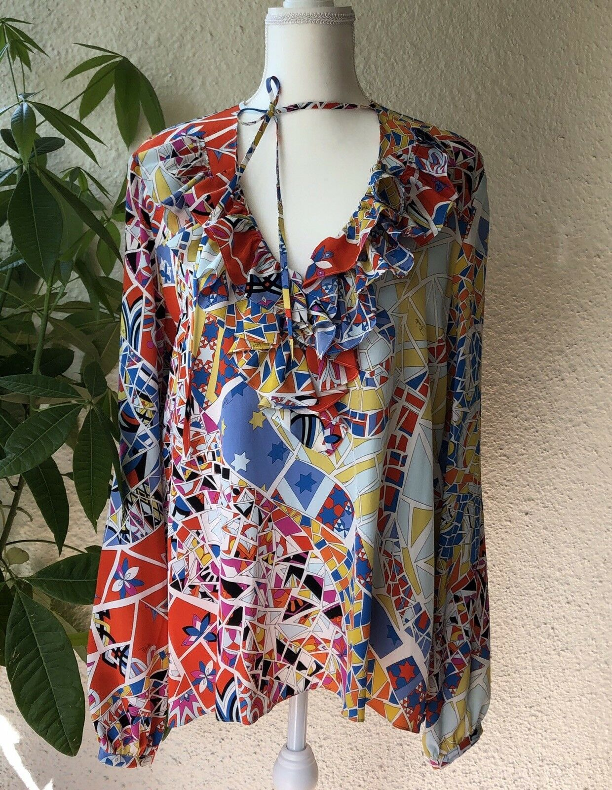 Emilio Pucci 100% Authentic Silk Top Blouse Size 44  NWT  1170