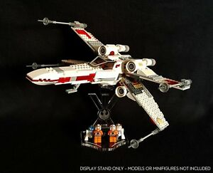 Display-stand-angled-slots-for-Lego-9493-X-Wing-fighter-Star-Wars