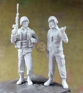 Djiti's 1/35 South African Army SADF AFV / Tank Crew Soldiers (2 Figures) 35070