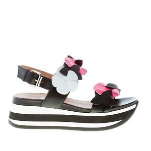 JANET-SPORT-scarpe-donna-Sandalo-zeppa-in-pelle-nero-con-maxi-fiori-colorati