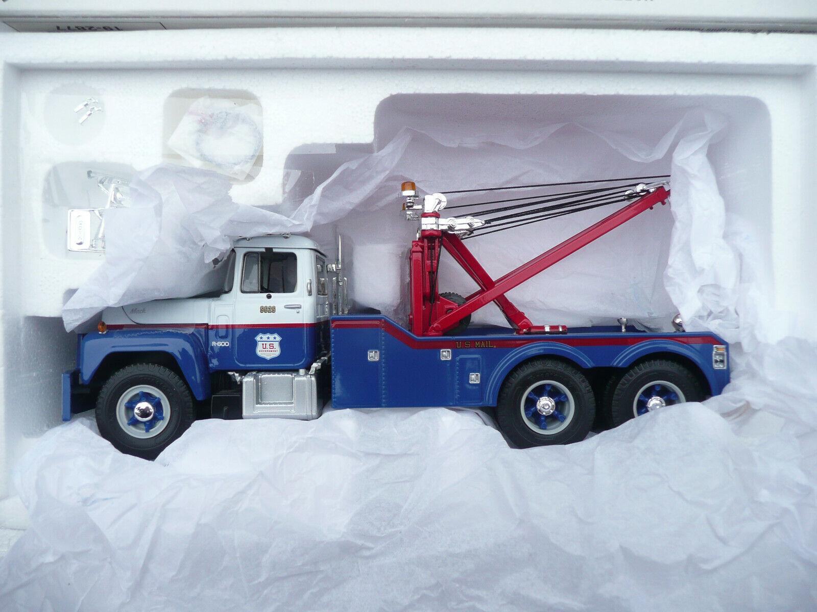 1st First Gear Mack R-Modell Tow Truck Die-cast Metal Replica 1 34