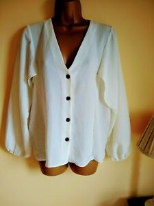 River island size 12 cream button up top blouse NWT