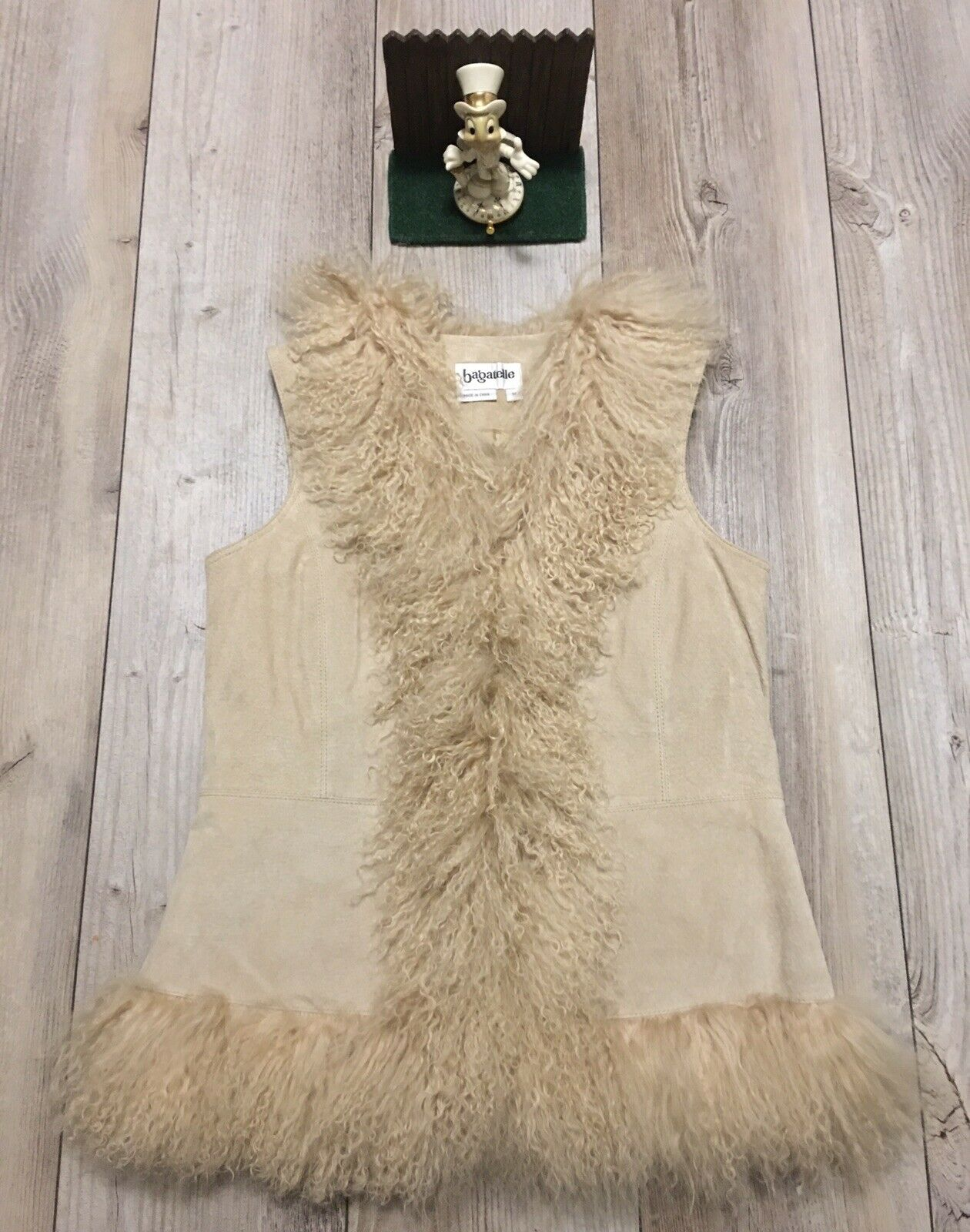 Bagatelle Beige Leather Mongolian Lamb Fur Hook and Loop Vest L1306 New Display