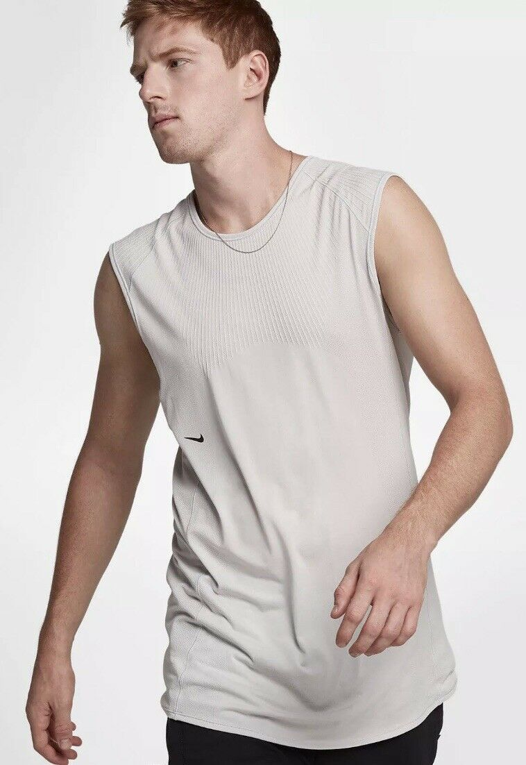 NIKE NIKELAB A.A.E. 1.0 SHORT SLEEVE TANK  TOP VEST BRAND NEW WITH TAGS Large