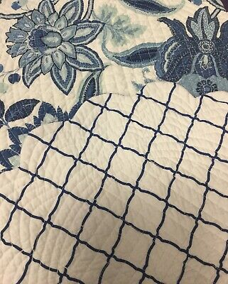 Cora Blue Set of 4 PCS 17round Quilted Placemat