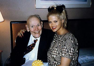 Canvas Anna Nicole Smith with Husband John Howard Marshall II Art print POSTER