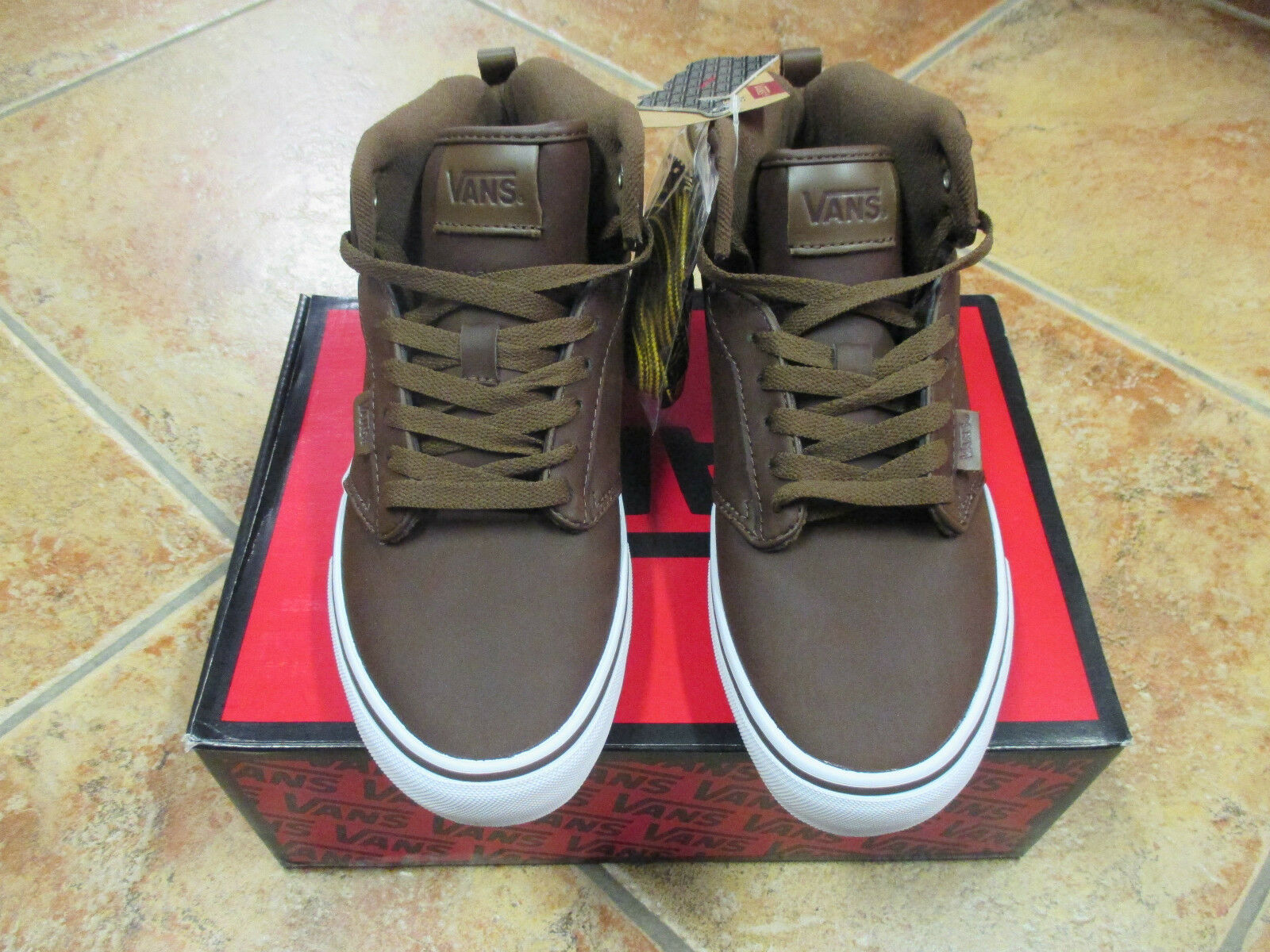 VANS GR.  ATWOOD HI  GR. VANS 41 US 8,5  (MTE)  BROWN / WHITE   VN-O VG3DX4  TOP NEU e93552