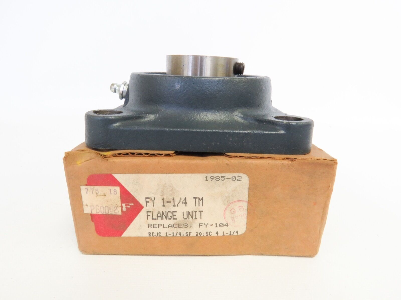 """New SKF YAR-207-104 FY 1-1 4"""" TM Flange Unit Replaces FY-104 1985-02"""