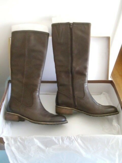 New in Box COLDWATER CREEK Riding Style Boots Size 10M color Brown