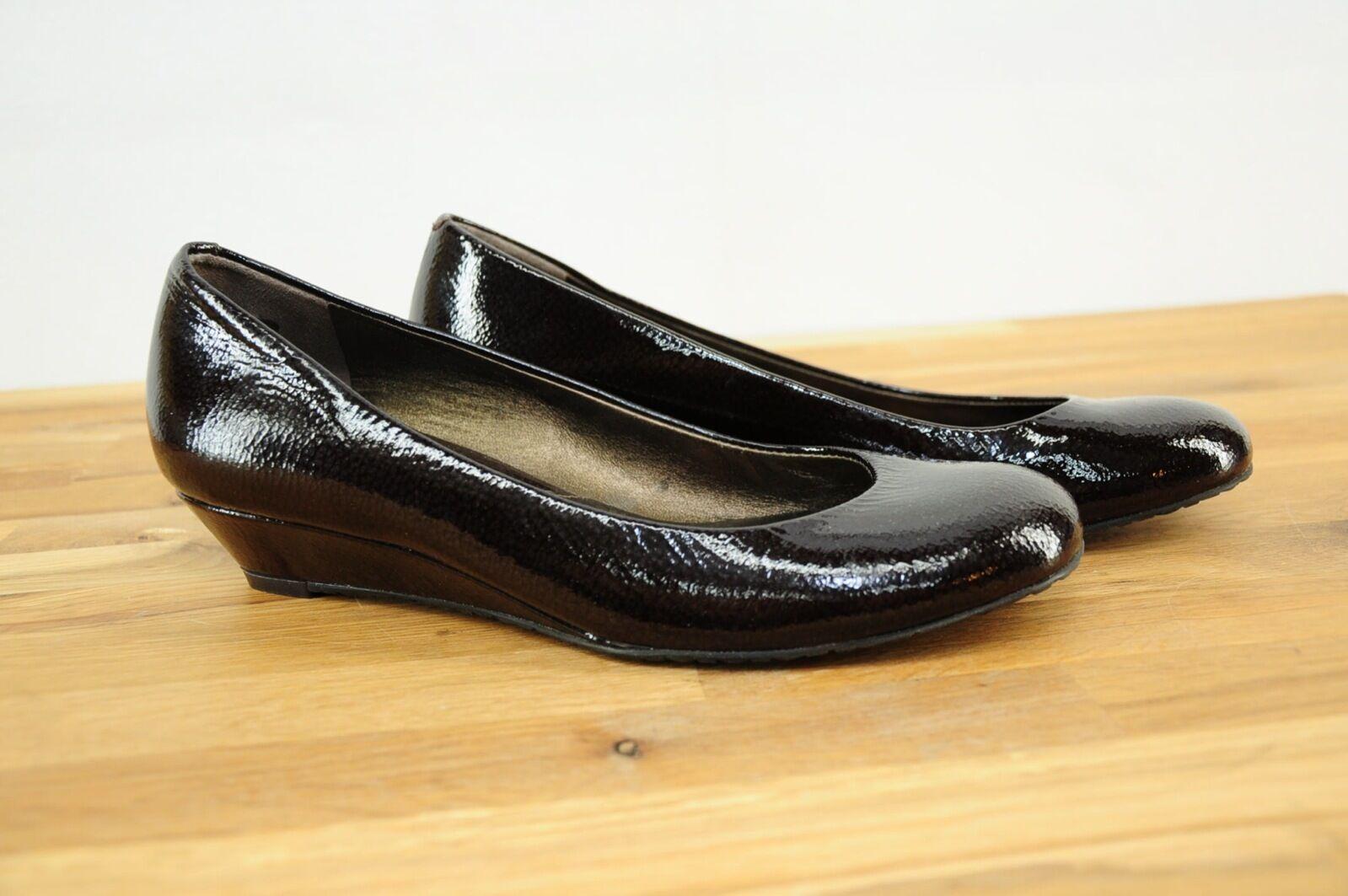 nuovo stile NWOT New Cole Haan nero Marrone Embossed Embossed Embossed Patent Leather Wedge Low Heels scarpe 6B  vendita di fama mondiale online