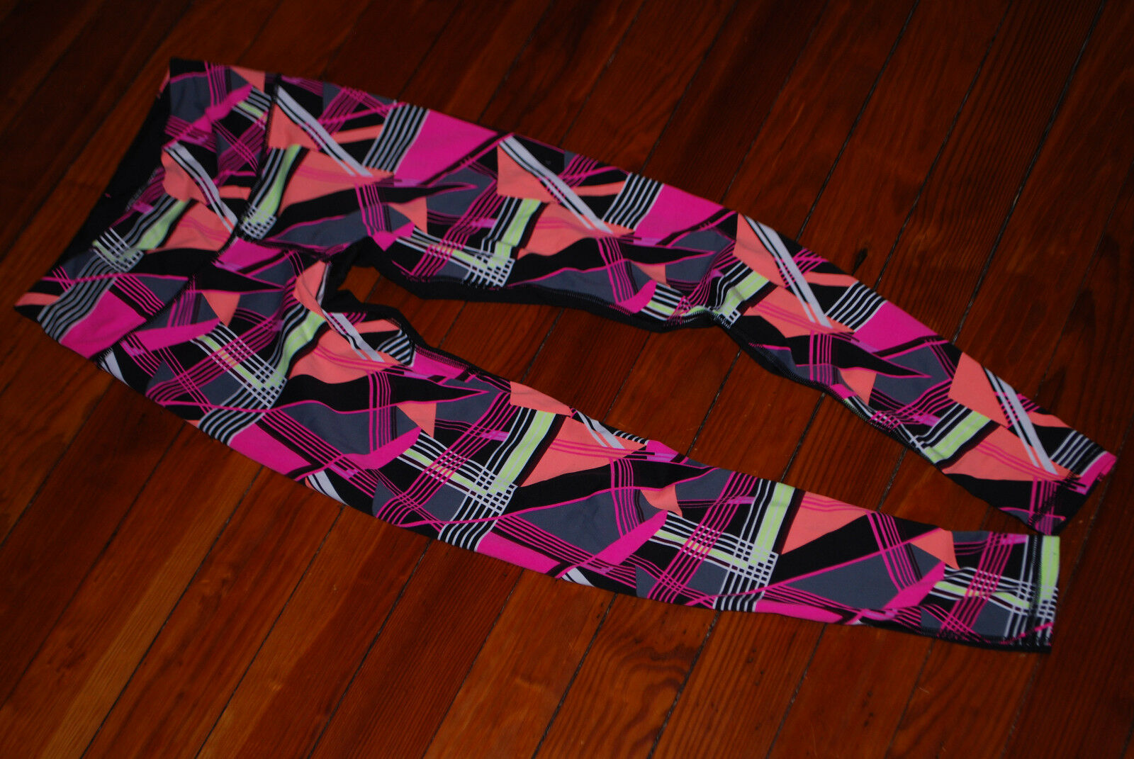 Women's Victoria's Secret VSX Pink Retro Print Compression Leggings (X-Small)