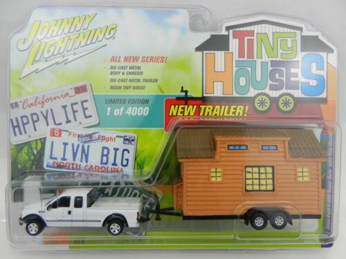 2017 Johnny Lightning *TINY HOUSES 1A* White 2004 Ford F-250 Super Duty *NIP*