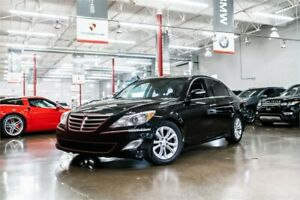 2013 Hyundai Genesis Sedan 3.8 330HP! LOW KM HOLIDAY SPECIAL!