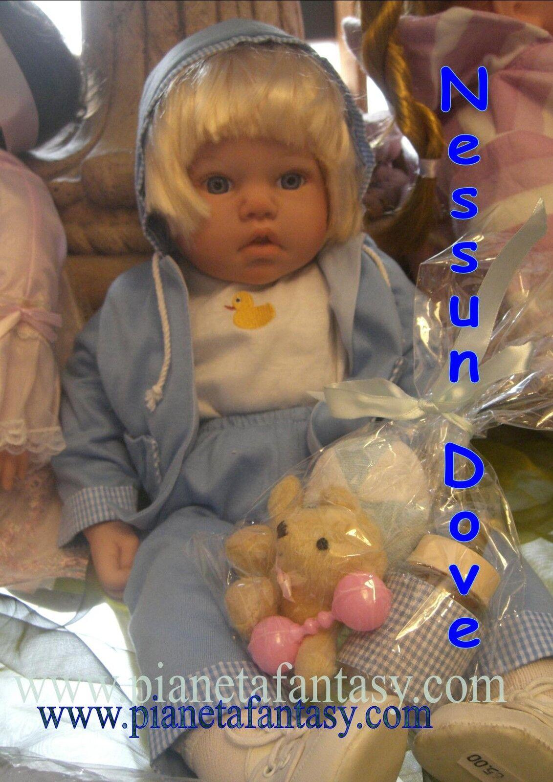 Bambola bambolina in vinile con vestito di stoffa da Collezione