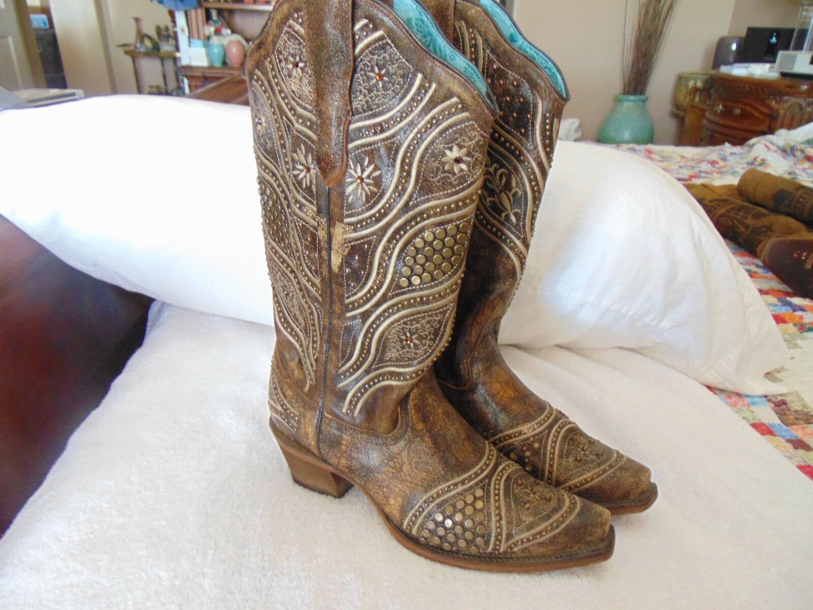 New Corral Ladies' Honey Embroidery Brass Studded Cowboy Cowboy Cowboy Boots E 1274 9 M  299 d42374