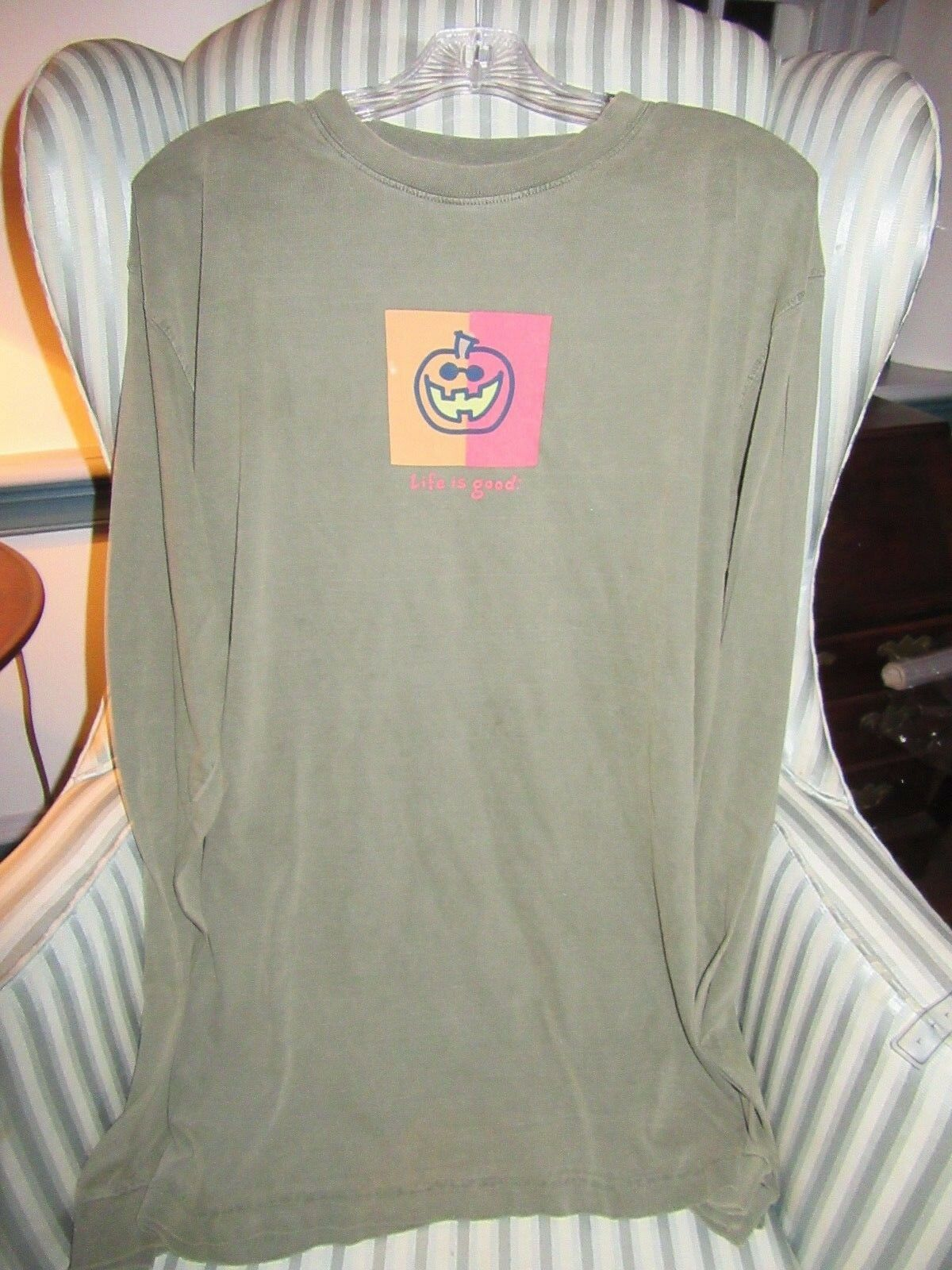LIFE IS GOOD..ORIGINAL STYLE..2007 FALL FESTIVAL L S TEE WITH PUMPKIN... (L)