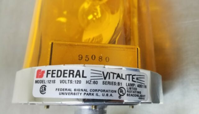 Red Rotating 120V Beacon Light by Federal Signal Corporation 121S*120RSB New!