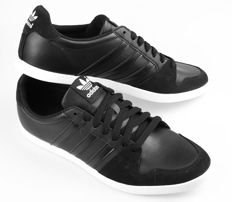 Mens adidas Originals Adilago Low Trainers In Black Q22919