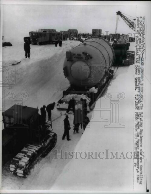 1960 Press Photo U.S. Army Engineers Install Portable Nuclear Power Plant
