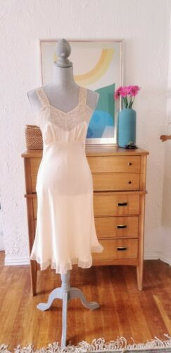 Vintage 40s Nightgown 30s Slip Silk NEW Lace Peach