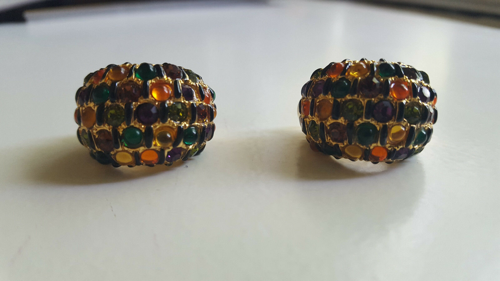 VINTAGE ST.JOHN MULTI COLOR RHINESTONE CLIP ON EARRINGS EXCELLENT