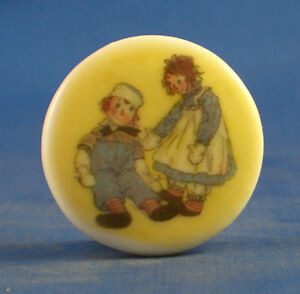 1-034-PORCELAIN-CHINA-BUTTON-RAGGEDY-ANN-amp-ANDY