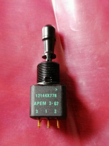 1pc Apem 12144X778 ON ON ON SP3T Solder Lug 4A 250VAC 28VDC Toggle Switch