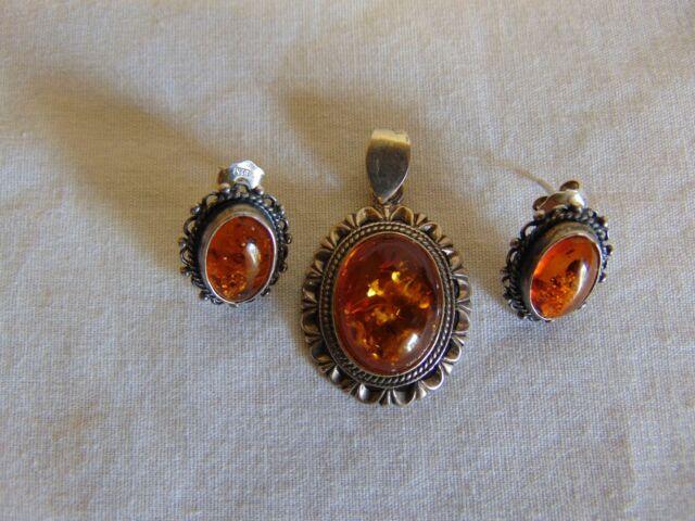 Vintage Sterling Silver & Amber Pendant & Earrings Set