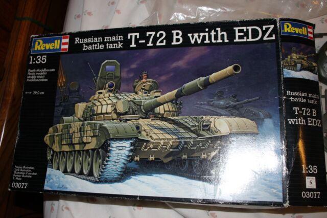 Neu Zvezda 3551-1//35 Russian T-72B With Era