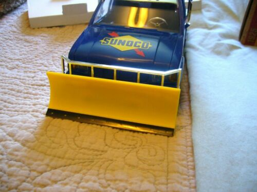 SUNOCO GAS TOW TRUCK W// SNOW PLOW ~1996 COLLECTOR/'S EDITION ~3rd OF THE SERIES..