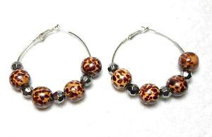 Vintage-80-s-Hoop-Earrings-Brown-Leopard-Print-Beads-Silver-Wire-Secure-Closure