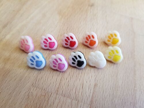 Plastic Paw Print Buttons