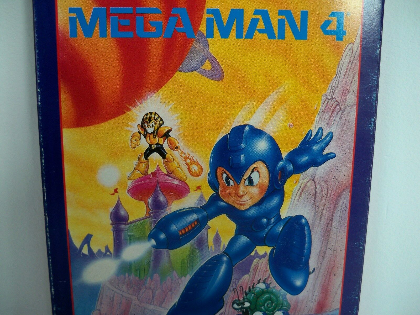 D0526601 MEGA MAN 4 NES 100% WORKING BOX PLASTIC CASE DUST COVER