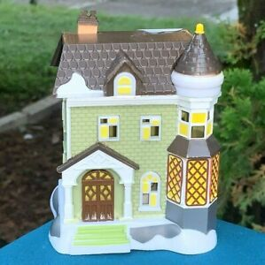 NEW Cobblestone Corners Christmas 2020 Winter Village House