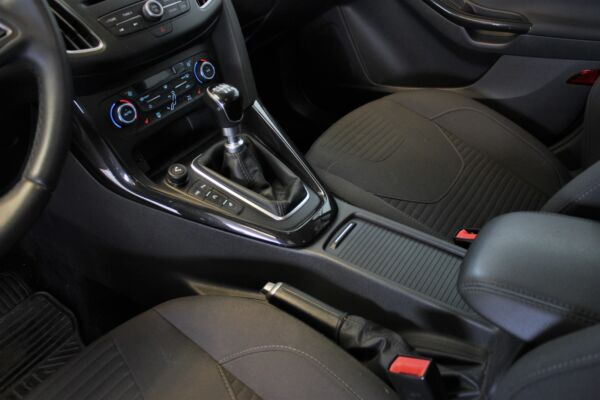 Ford Focus 1,5 TDCi 120 Titanium stc. billede 11