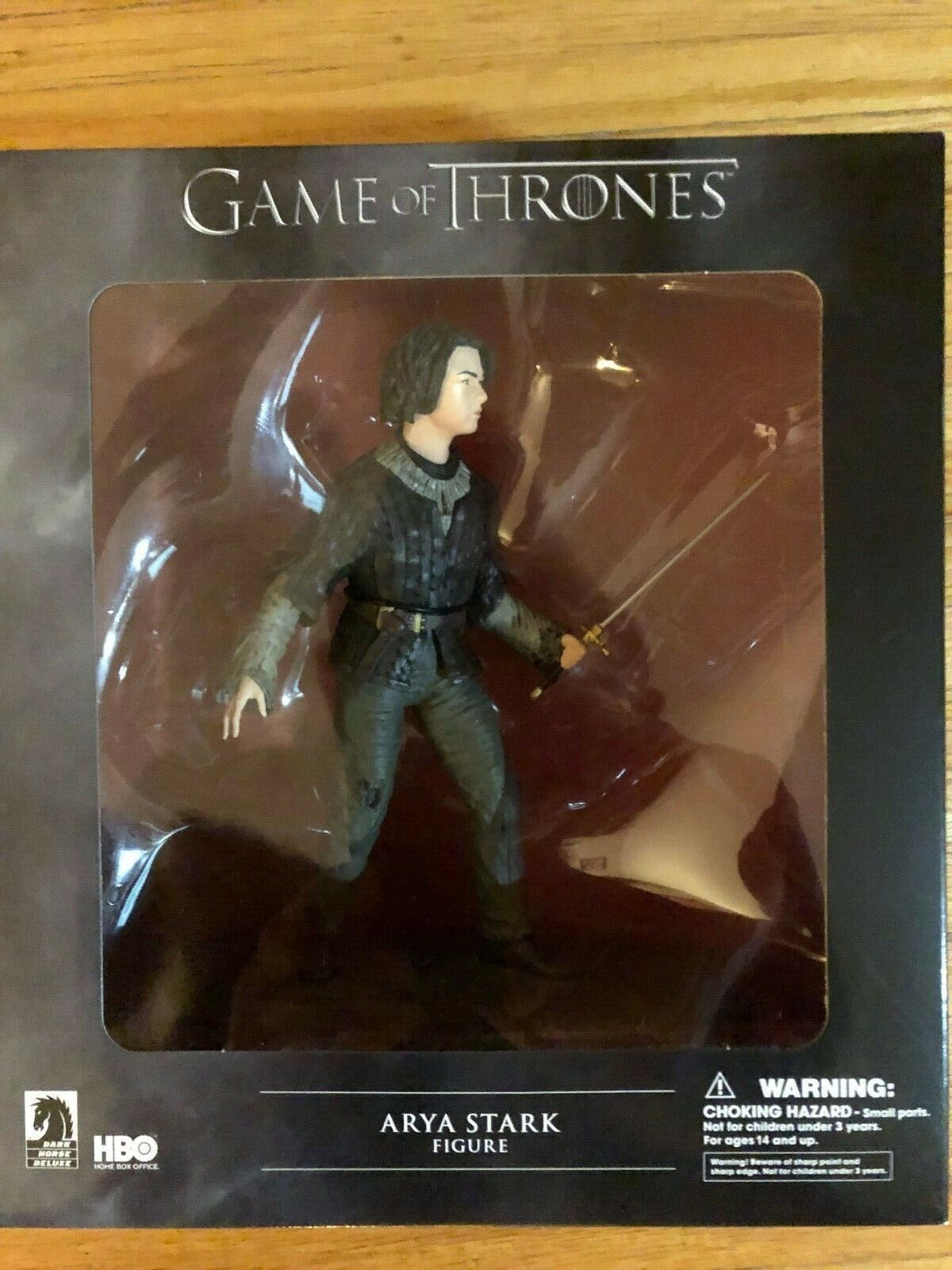 Dark Horse DELUXE  Game of Thrones  ARYA STARK .  Figure..BOX NEVER OPENED