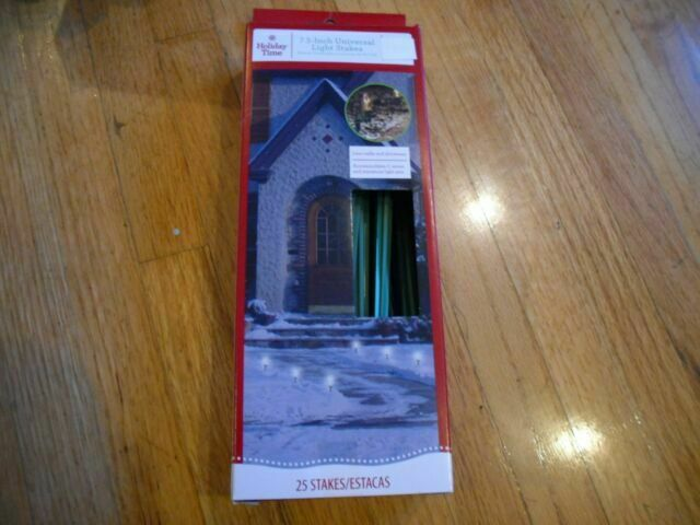 25PK Christmas Lights Stakes 7.5 inch Universal Light Stakes Green Color New