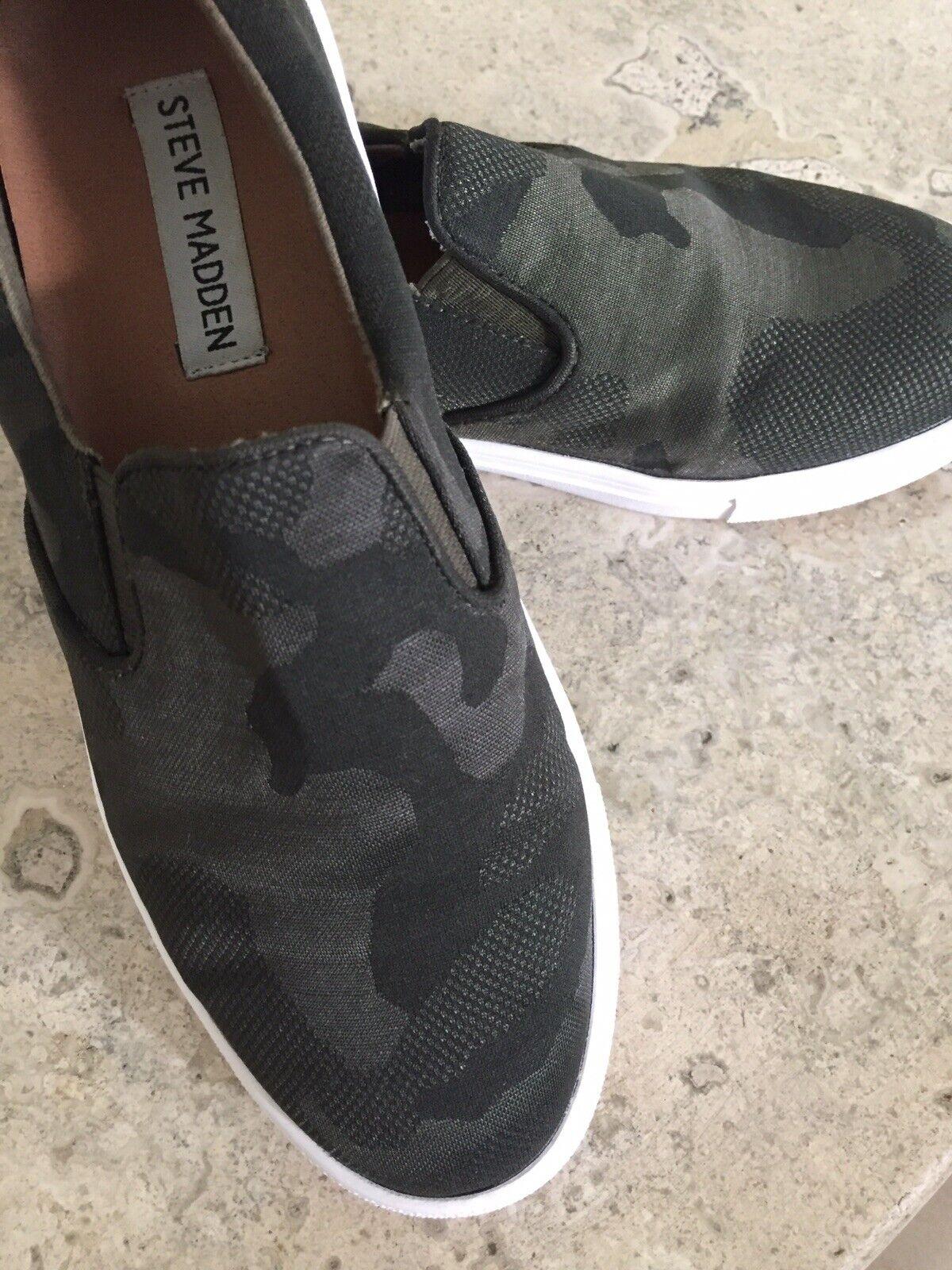 Steve Madden Gills Slip On Sneaker