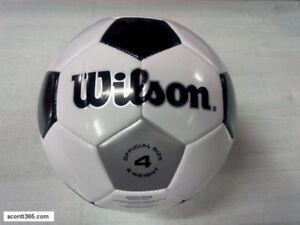 Dettagli su Wilson Box di n. 10 Palloni calcetto Traditional SB n.4 Art.WTE8735XB0410