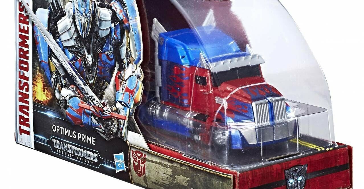 SDCC 2017 Exclusive Transformers  The Last Knight Voyager Class Optimus Prime