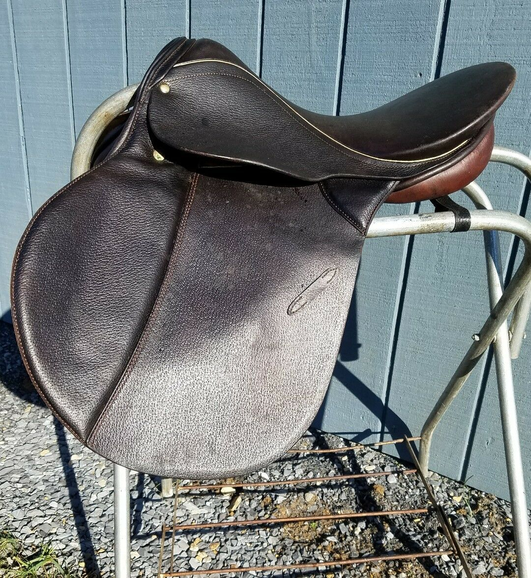 Crump  Renaissance  All Purpose Saddle 17.5  New
