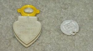 VINTAGE 1940'S TOM MIX RALSTON STRAIGHT SHOOTERS MAGNIFIER & PLASTIC CHARM