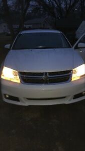2014 DODGE AVENGER. HEATED SEATS & CRUISE CONTROL