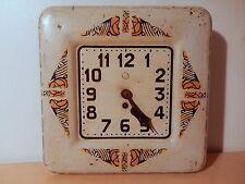 Horloge ancienne décor art deco Manufrance Saint Etienne manufacture MF